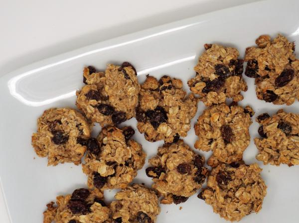 Naturally Sweetened Oatmeal Raisin Cookies