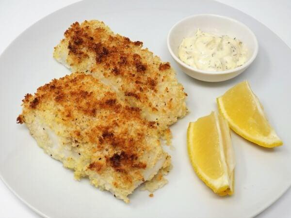 Crunchy Baked Cod with Creamy Dill Sauce