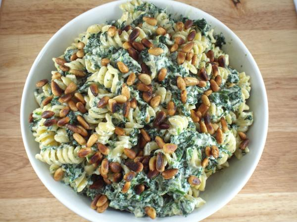 Rotini with Ricotta, Spinach and Toasted Pine Nuts